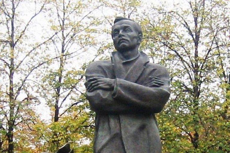 Памятник Янке Купала