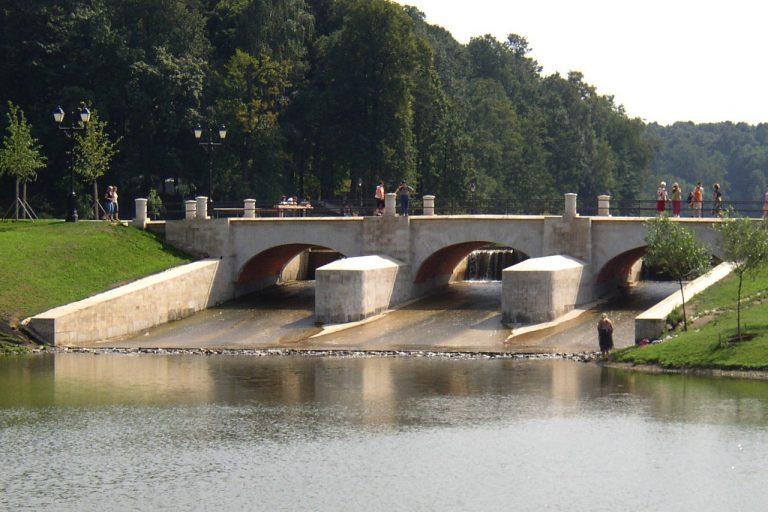 Мост-плотина в Царицыно